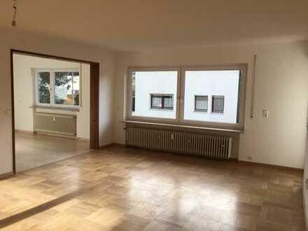 Erstbezug nach Sanierung; helle 5-Zimmer Wohnung mit Balkon