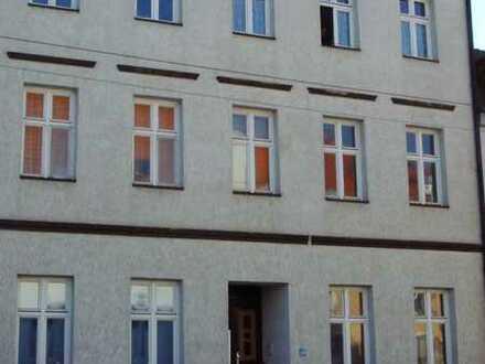 schöne 2 Raum Wohnung im Dachgeschoss ab 01.07.2021 zu vermieten