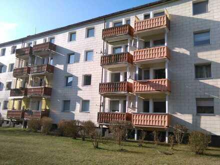 Erschwingliche und modernisierte Wohnung mit zwei Zimmern und Balkon in Storkow (Mark)