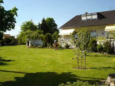 Wohn-Traum in ruhiger Lage: Freistehendes Haus (7 Zi.) mit großem Garten in Breuna-Wettesingen