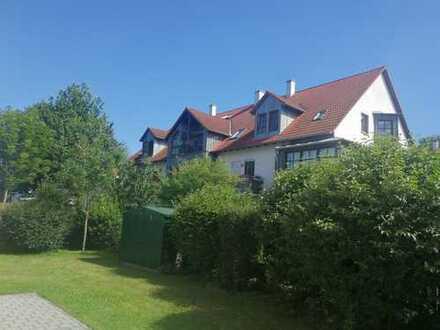 helle 3-Zimmer-DG-Wohnung mit Balkon in Eching
