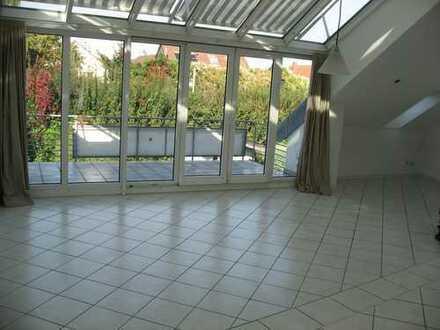 Stilvolle, gepflegte 2,5-Zimmer mit EBK in Karlsruhe-Neureut DG-Wohnung mit 2 x Balkon