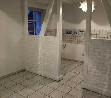 Schöne, gepflegte 2,5-Zimmer-Maisonette-Wohnung in Rondorf, Köln