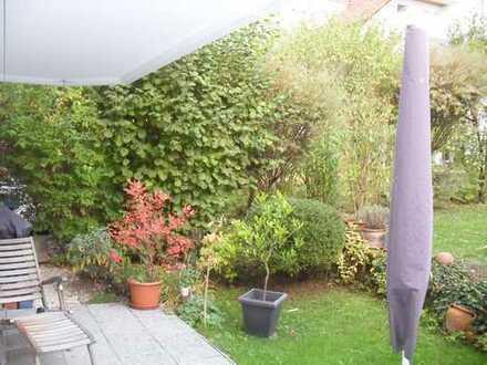 In Stuttgart-Sonnenberg Exklusive 3 Zimmerwohnung mit Terrasse, Einbauküche und sonnigem Garten
