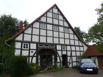 *Pohle* Außergewöhnliches Fachwerkhaus mit Scheune