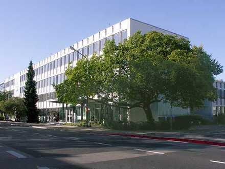 Moderne Bürofläche in renoviertem Verwaltungsgebäude
