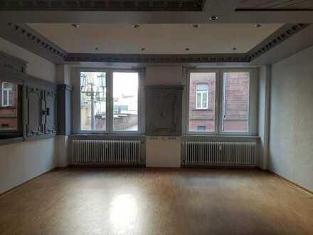 Büro in Fußgängerzone von Homburg zu vermieten