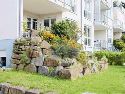 Vollständig renovierte Wohnung mit viereinhalb Zimmern und Balkon in Bochum Stiepel