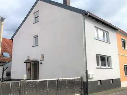 Erstbezug nach Renovierung! Großzügiges, helles Einfamilienhaus mit ausgebautem Dachstudio