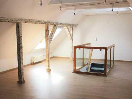 Schöne, teilsanierte Maisonette-Wohnung mit EBK und Galerie in Altlindenau* 1 Monat kaltmietfrei !!!