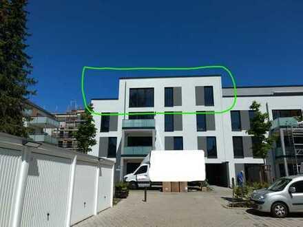 Erstbezug mit EBK und 30m² Dachterrasse: Moderne 3-Zimmer-Penthouse-Wohnung in Wiesbaden