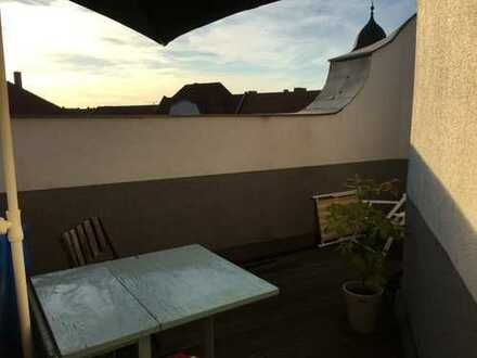 2-Zimmer-Dachgeschosswohnung mit Balkon und Einbauküche in Prenzlauer Berg, Berlin