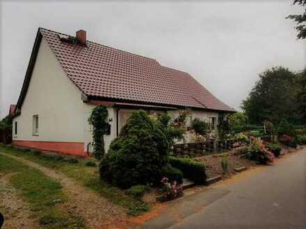 + Maklerhaus Stegemann + Einfamilienhaus mit Potenzial in reizvoller Lage bei Altentreptow