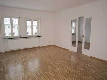 Helle 4 Zimmerwohnung im Stuttgarter-Osten zu vermieten
