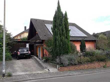 Idyllisches, freistehendes Einfamilienhaus mit Garten in Feldrandlage
