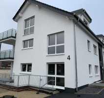 Schöne neuwertige 4-Zimmer-Dachgeschoss-Wohnung mit Balkon in Bielefeld/Schildesche
