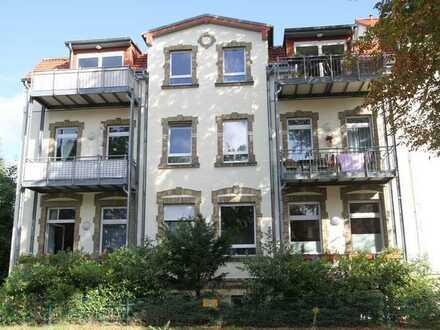 Rosenthal//Sanierter Altbau/Helle Wohnung mit gutem Grundriss u. Balkon in gepfl. Wohnanlage