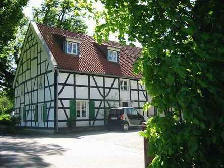 Fachwerkhaus NEU - 2 abgeschl. Wohnungen - mit GARTEN - KINDER + Haustiere willkommen