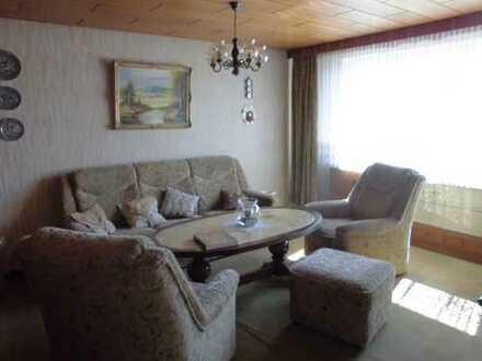 Gepflegte 3,5-Zimmer-Wohnung (möbliert) mit Balkon und EBK in Murr