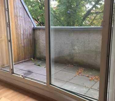 helle Dachgeschoss Wohnung im grünen Pankow