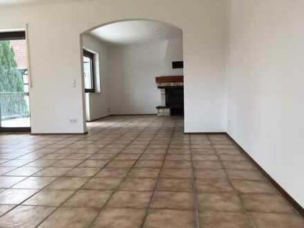 900 €, 115 m², 3 Zimmer