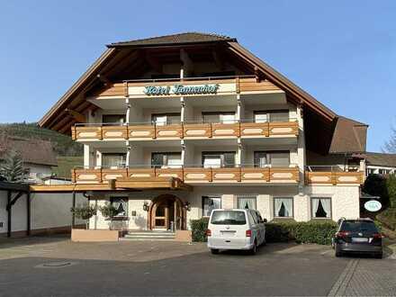 Hotel mit Nebengebäude und Restaurant mit Ausbaupotential in 79263 Simonswald