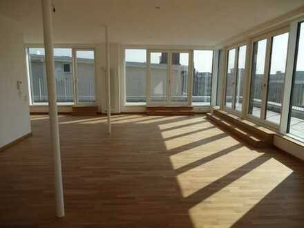 Dachterrasse gefällig? Topmoderne Penthouse-Wohnung in Ludwigshafen kurzfristig beziehbar.