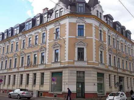 schöne,helle Wohnung mit Laminat und Tageslichtbad in Leipzig-Lindenau