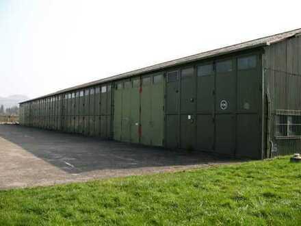 Große Halle für Lagernutzung mit Toren