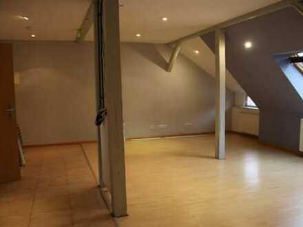 Gepflegte 2-Zimmer-Maisonette-Wohnung mit Einbauküche in Braunschweig