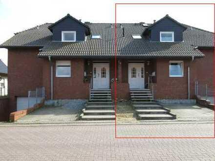Zwei Wohnungen in einer Doppelhaushälfte mit Vollkeller und 1 Garagen in Nordsteimke