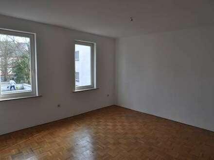 Zentrum Siegen: Schönes Zimmer in WG in solidem Haus mit netten Leuten!!