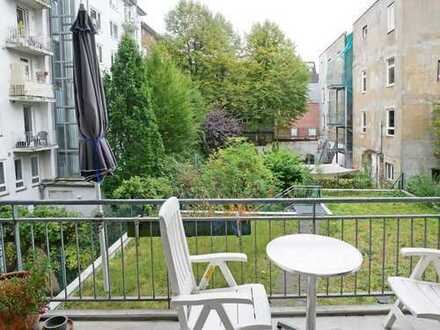 Freie 2-Zi.-Wohnung mit Balkon & TG-Stellplatz in Ottensen!