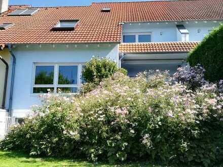 Helles modernes Haus mit ansprechender Architektur (Erbpachtgrundstück), Best Lage Seckenheim