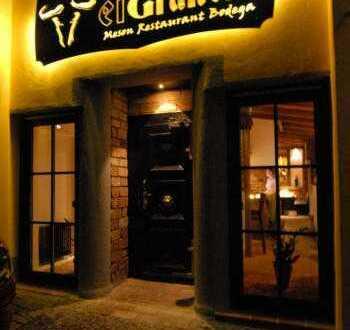 Charmantes Restaurant mit Terrasse und Wohnraum