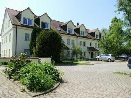 +++ 2-Zimmer-Dachgeschosswohnung im modernen Neubau am Fuße der Elbhänge +++