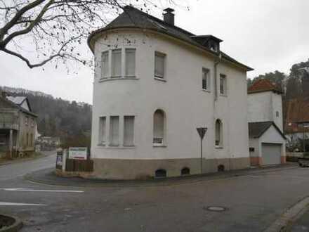 Vermietetes Dreifamilienhaus in zentraler Lage von Pirmasens / ideal als Kapitalanlage