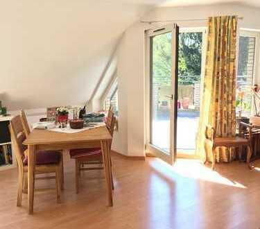 Helle 3 Zimmer Maisonette-Wohnung mit Süd-Balkon in Köln Lövenich