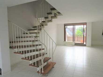 ***Provisionsfreie Maisonette-Wohnung mit Balkon, Kamin und EBK***