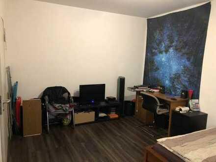 Schönes Zimmer in familiärer 3er WG in Stuttgart Ost