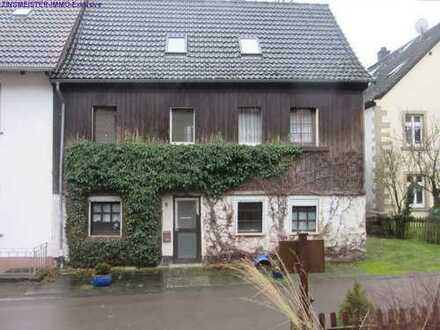 -RESERVIERT- Sehr stark renovierungsbedürftiges Landhaus / Wochenendhaus für Handwerker