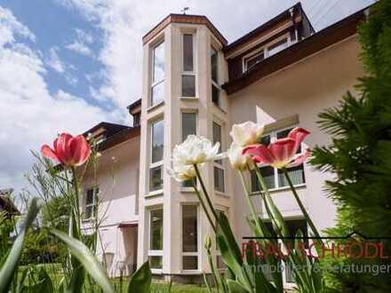 Traumhafte Idylle 4,5 Zimmer Wohnung 106 Quadratmeter im EG mit Gartenterrasse