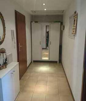 Gemütliche und helle 2-Zimmer-Dachgeschosswohnung mit Loggia