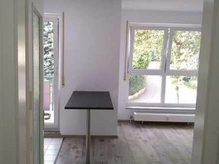 Aufwendig sanierte 1-Zimmer Wohnung. mit Küche . ca. 28QM