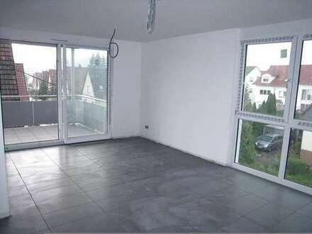 Modern und gepflegt mit hellen Räumen und Einbauküche in zentraler Wohnlage* inkl. Garagenplatz*
