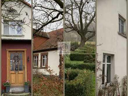 Wohnen & Leben mit Pferden / Drei Landhäuser in Alleinlage