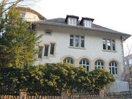 REPRÄSENTATIVER SHOWROOM / ATELIER IN ZENTRUMSNAHER, HISTORISCHER STADTVILLA
