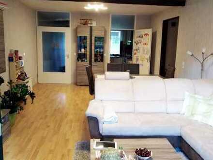 Gepflegte 4-Zimmer-Wohnung mit Balkon - 95qm