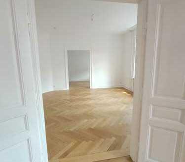 140 m² Altbauflair...Erstbezug nach Komplettsanierung...große Terrasse...4-Parteienhaus...Zentrum...