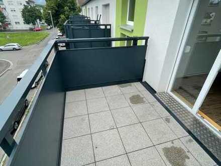 Neu renovierte 2 Zi. Wohnung im 2.OG-rechts mit EBK, HMS sowie Balkon in Göppingen, WM: 745€